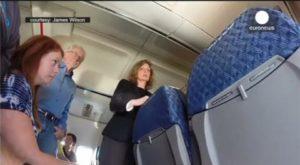 Effrayant : Une fissure apparaît dans un avion en plein vol – vidéo amateur