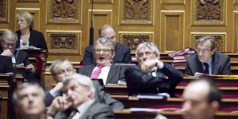 Trop-souvent-absents-14-senateurs-devront-payer-2.100-euros @ AFP JOEL SAGET