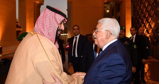 Mohamed Ben Salmane avec Mahmoud Abbas