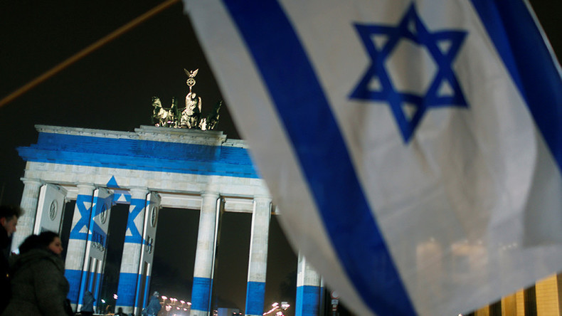 La porte de Brandenbourg à Berlin © Hannibal Hanschke Source: Reuters