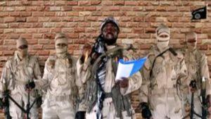 Le leader de Boko Haram Abubakar Shekau au milieu de jihadistes © Reuters