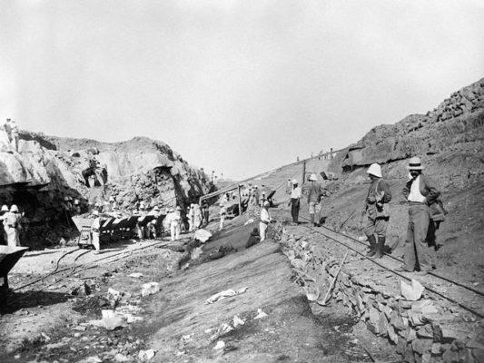 Travaux de minage à Kenadsa (Algérie) vers 1930