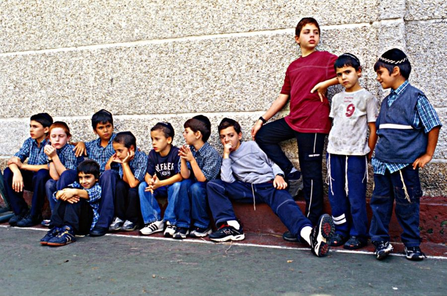 Jewish kids outside a Caracas school in 2005 (Photo credit: Serge Attal/Flash90)