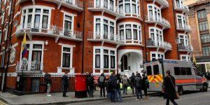 Julian Assange a été arrêté jeudi à Londres, à l'intérieur de l'ambassade d'Équateur. (Reuters)